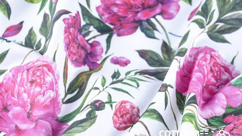 Fabrics with a floral pattern – a fashionable and universal solution