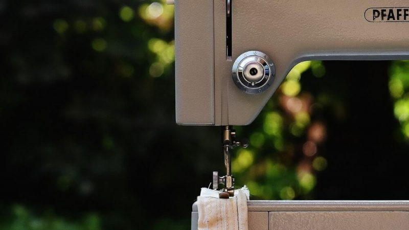 How to choose a sewing machine for beginners?