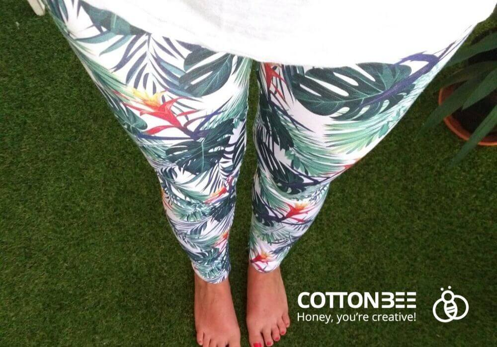 leggings from loopback jersey with monstera leaves print