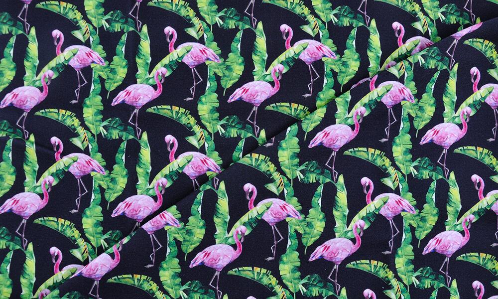 Materiał we flamingi – symbol lata w Twojej szafie!