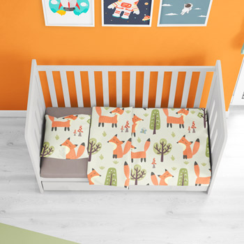 bedding printed with foxes pattern